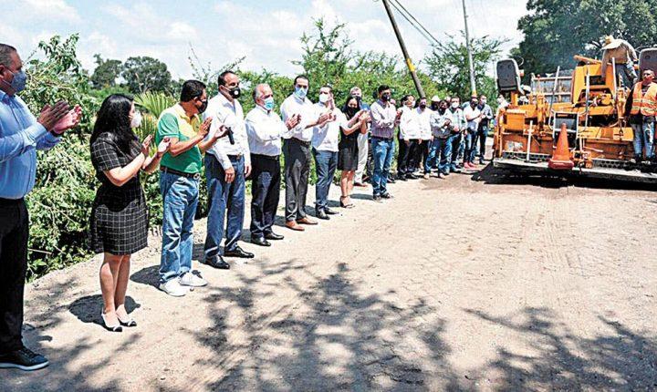 Dan banderazo a las obras en Jonacatepec