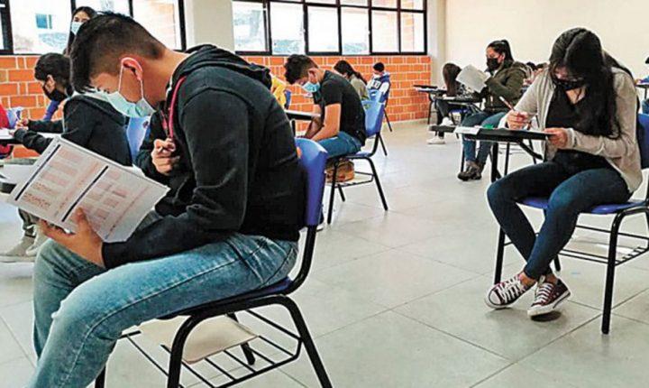 Presentan más de 4 mil jóvenes su examen de admisión a prepas de la UAEM