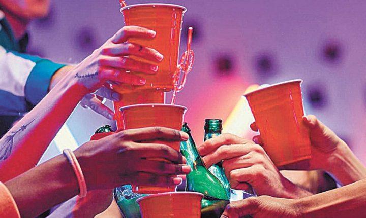 Pega alcohol barato a jóvenes de Morelos