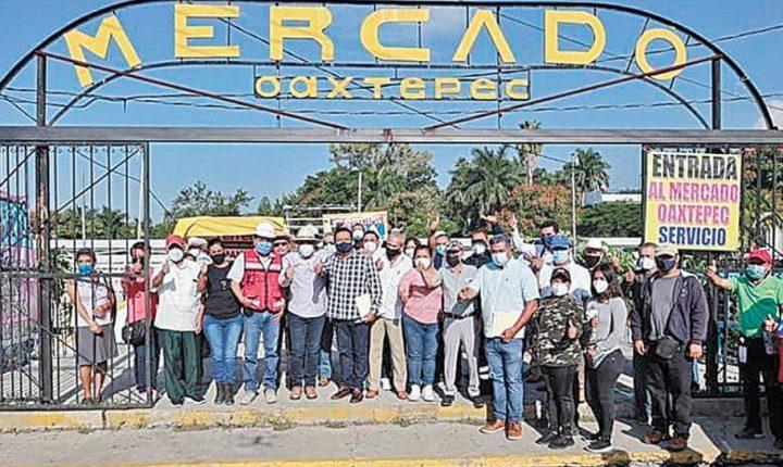 Supervisan construcción del mercado de Oaxtepec