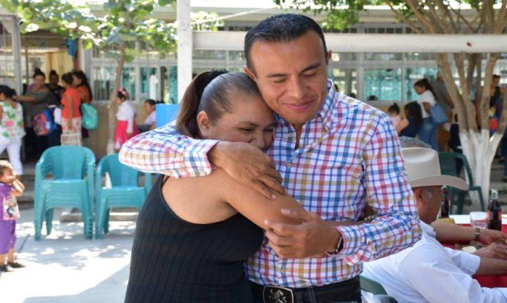 Ayala respalda a las mujeres para una vida libre de violencia