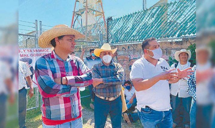 Bloquean ejidatarios carretera Cuautla-Ayala por termoeléctrica